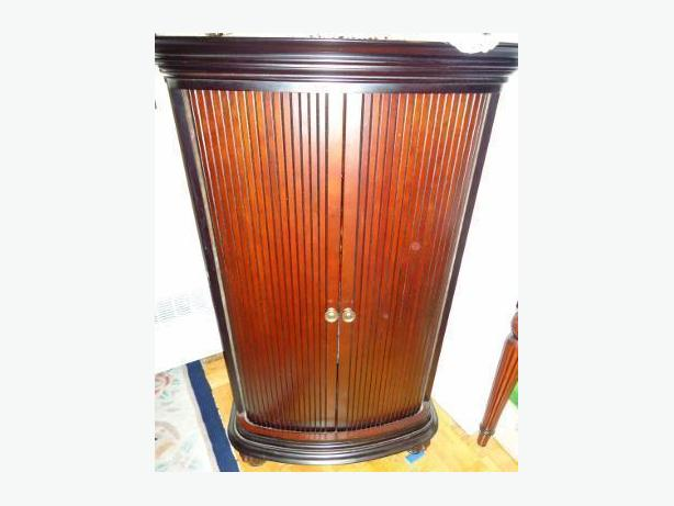 3 Bombay Company Mahogany Curio Console Dresser Cabinets