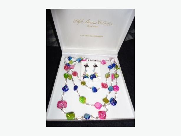 Sell Off - Fifth Avenue Jewellery Line & All Supplies / Displays