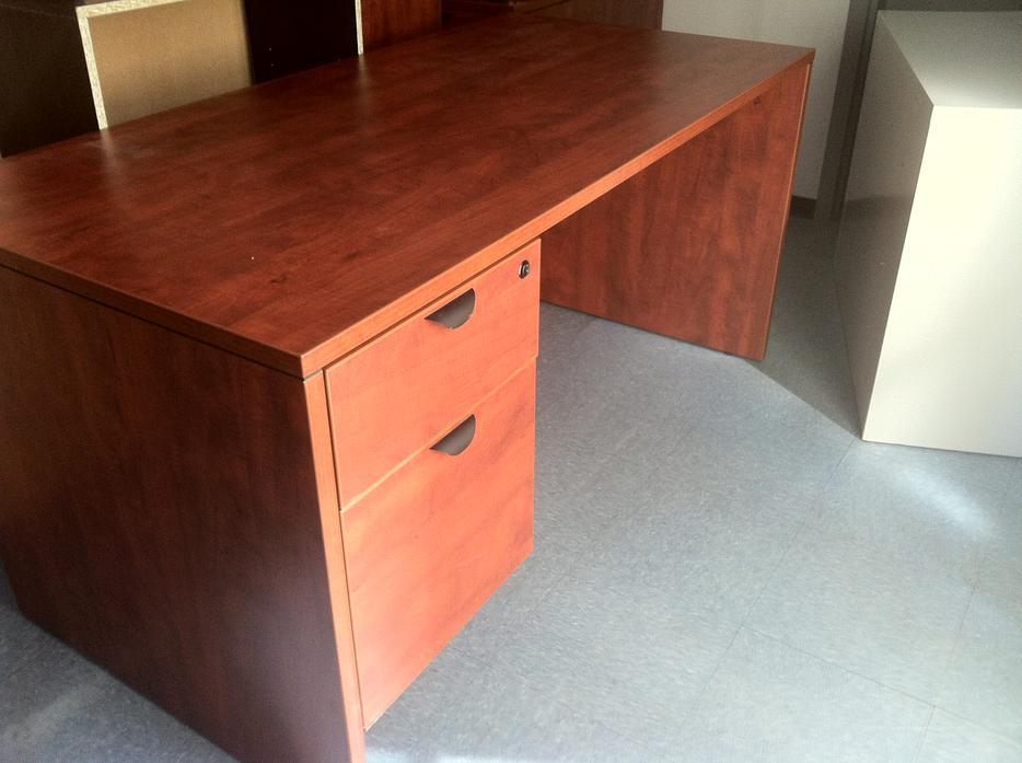 Commercial Office Desk Victoria City Victoria Mobile
