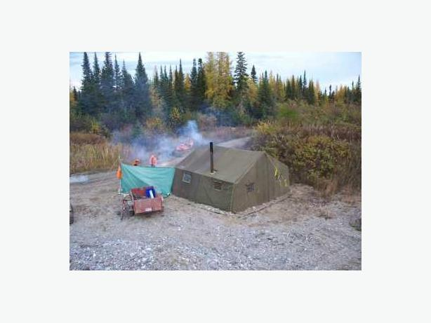 CDN MILITARY MODULAR TENT WITH STOVE PIPE ADAPTER & CDN MILITARY MODULAR TENT WITH STOVE PIPE ADAPTER Central Ottawa ...