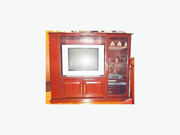 """Sauder Heritage Hill"" Cherry Finish Wood Entertainment TV Unit"