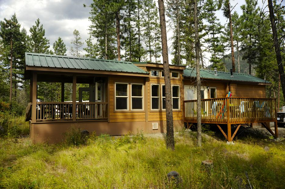 Pineview cabin peachland bc vacation rental peachland for 3 summerland terrace