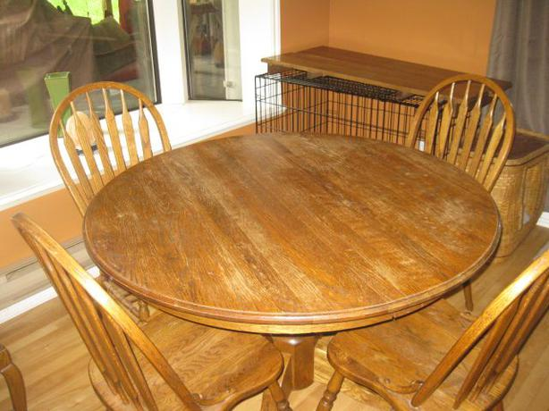 solid oak dining table 4 chairs qualicum parksville