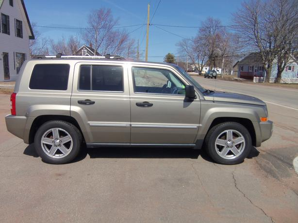 2008 jeep patriot limited 4x4 heated leather summerside. Black Bedroom Furniture Sets. Home Design Ideas