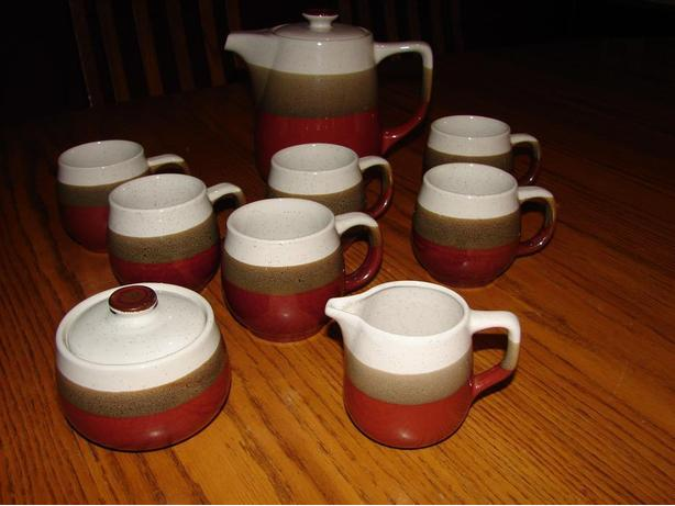 Beautiful Pottery Coffee/Teapot with 6 mugs and Cream and Sugar!!!!