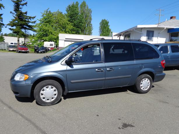 2005 dodge grand caravan stow and go central nanaimo nanaimo. Black Bedroom Furniture Sets. Home Design Ideas