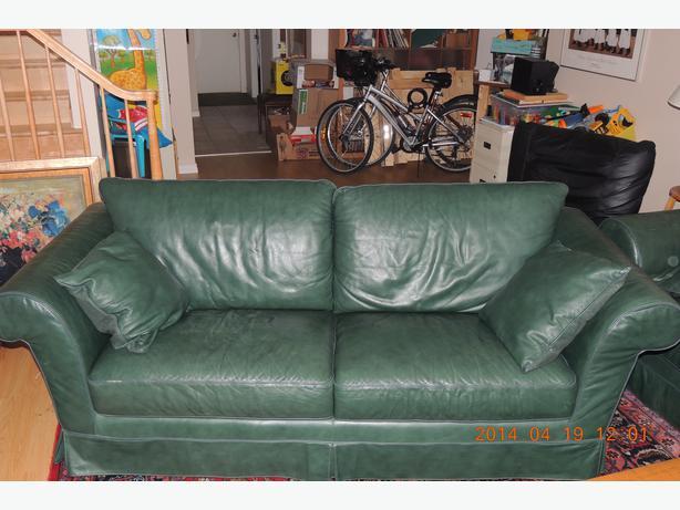 Natuzzi Dark Green Leather Sofa Montreal Montreal