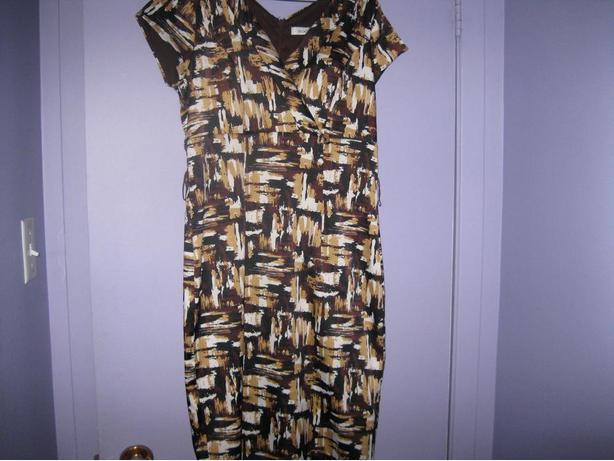 RICKI's Dress - size 8