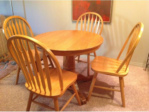 36 Inch Round Solid Oak Dining Table With 4 Matching Chairs Victoria City Victoria