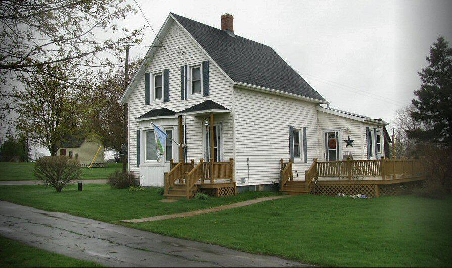 Updated 1 5 storey house beach point pei reduced price for King s fish house mission valley