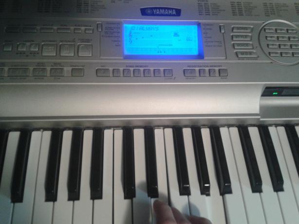 Yamaha dgx 500 88 key keyboard outside victoria victoria for Yamaha piano store winnipeg