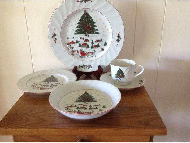 Christmas Dish Set - NEW North Saanich & Sidney , Victoria