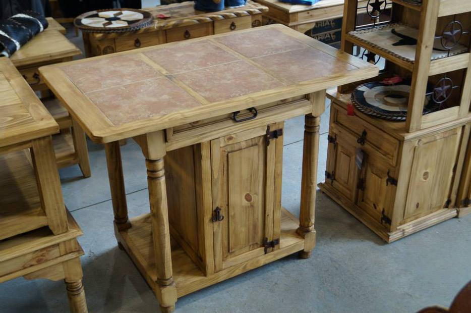 rustic kitchen island ilot de cuisine rustique outside kitchen islands tips for making the most of yours