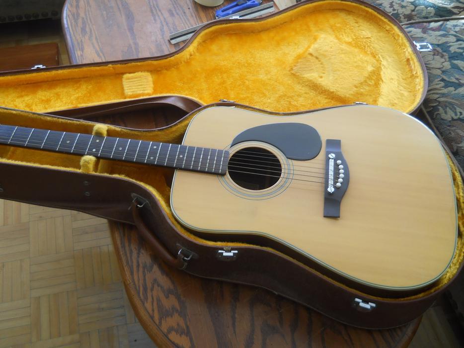 cbs masterworks mwg y 1050 kazuo yairi acoustic guitar w case central ottawa inside greenbelt. Black Bedroom Furniture Sets. Home Design Ideas
