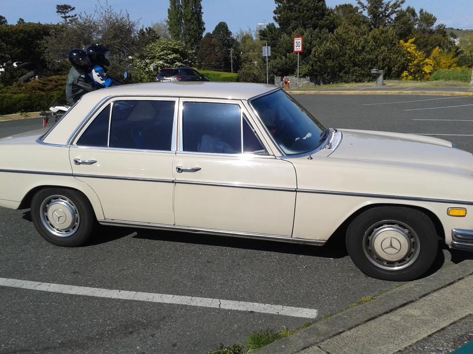1970 mercedes benz 250 oak bay victoria for Mercedes benz bay ridge
