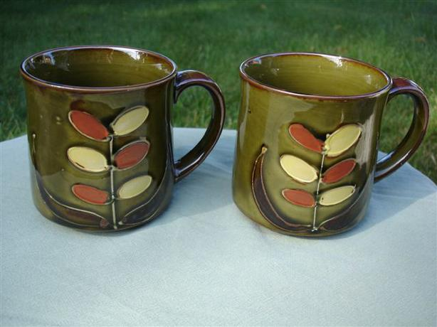 2 Funky Retro Vintage Stoneware Mugs - Great for Back to School!