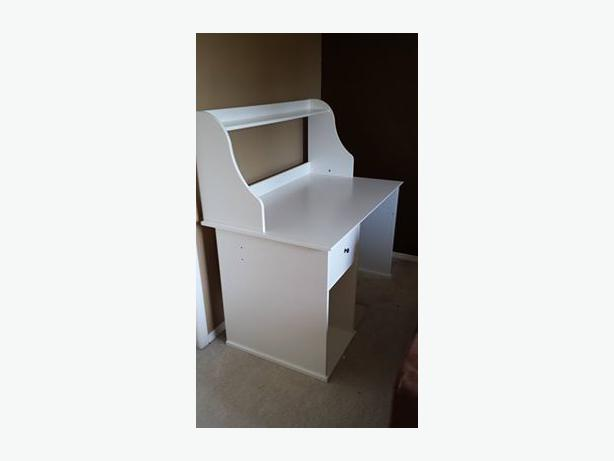 White ikea desk with hutch and 1 drawer saanich victoria for White desk with hutch ikea