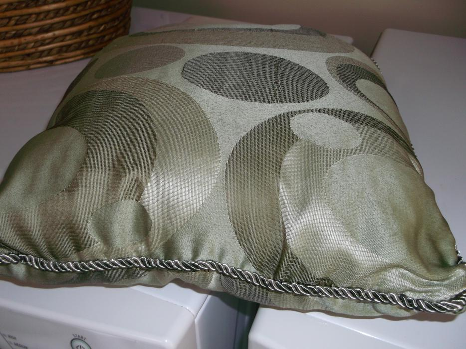 Quilt Shams And 2 Decorator Pillows Parksville Nanaimo