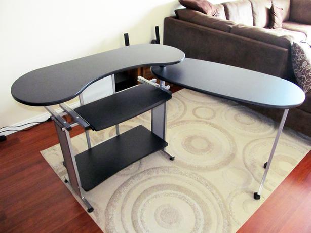 Retractable Computer Desk And Monitor Like New Victoria