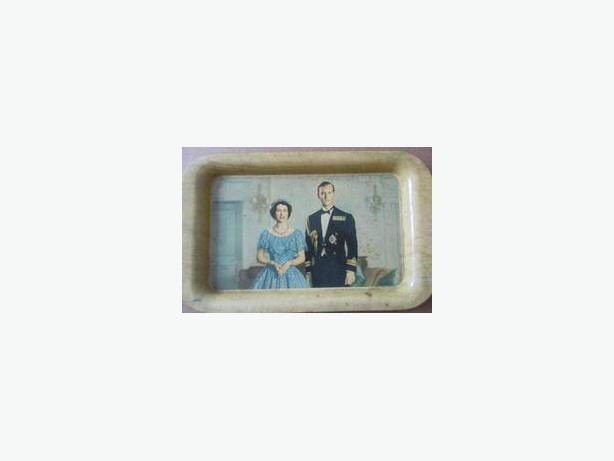 Queen Elizabeth & Prince Philip metal tray