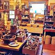 We ship all kinds of antique & vintage items to Calgary