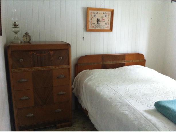 Vintage bedroom suite saanich victoria for Vintage bedroom suite