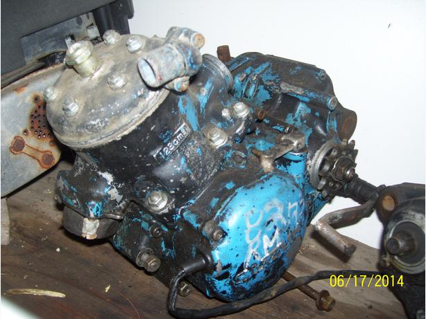 1982 Suzuki RM125 engine to part out crank head cylinder tranny etc.