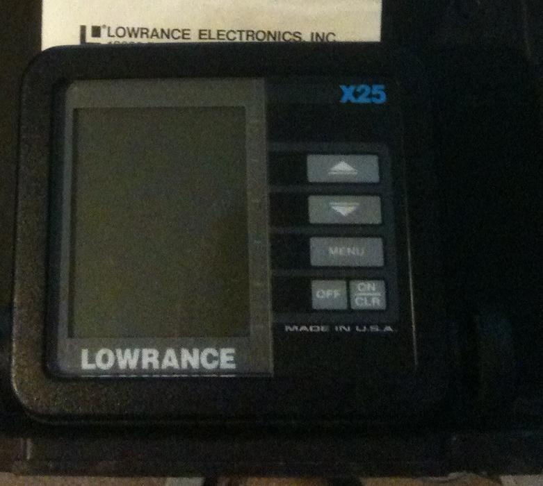 Lowrance x 25 depth fish finder north saanich sidney for Used fish finders