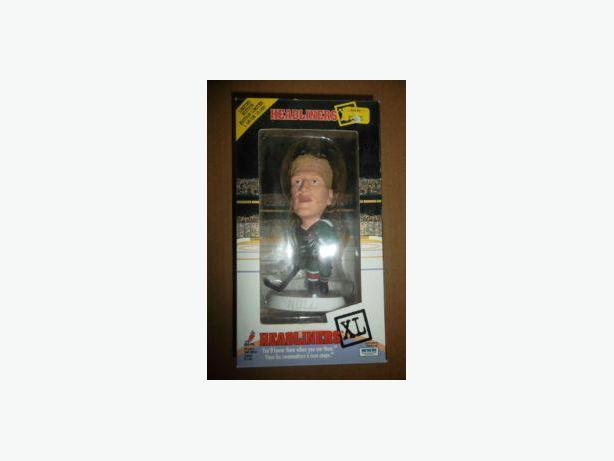Brett Hull Headliners XL figure