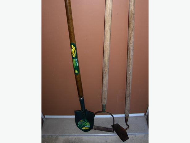 Garden tools victoria city victoria for Gardening tools required