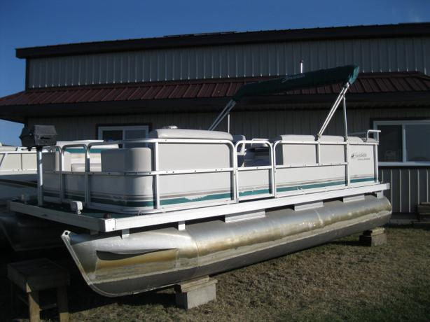 1998 Sweetwater 18 Pontoon Boat W 25hp Yamaha Amp Trailer