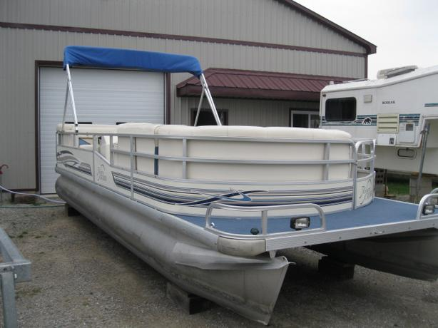 1999 riviera cruiser 22 pontoon boat w 50hp johnson free storage central ottawa inside