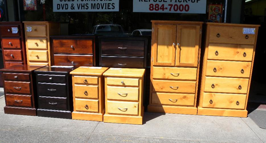 Check out our high quality furniture at low price loi 39 s for Q furniture abbotsford