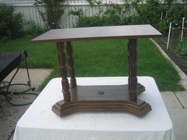 Small table tv north regina regina for Petite table tv