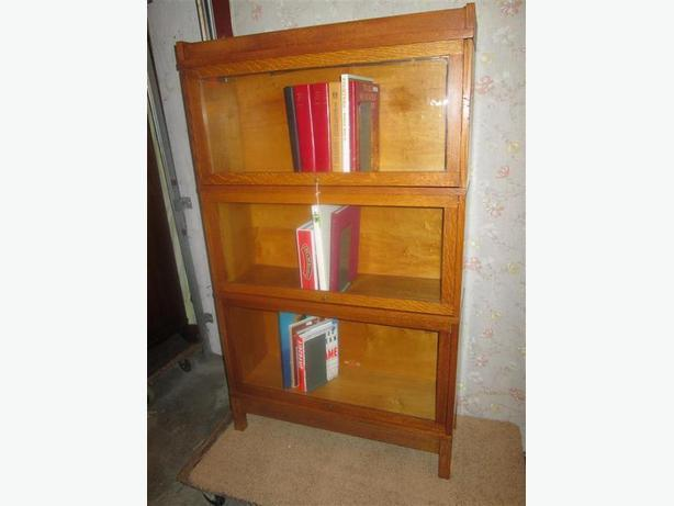 ESTATE 1920'S OAK STACKING BOOK CASES