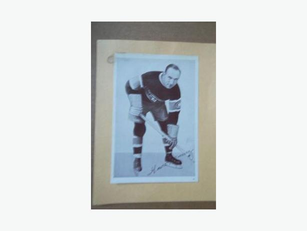 1930's Crown Brand hockey photo - Howie Morenz