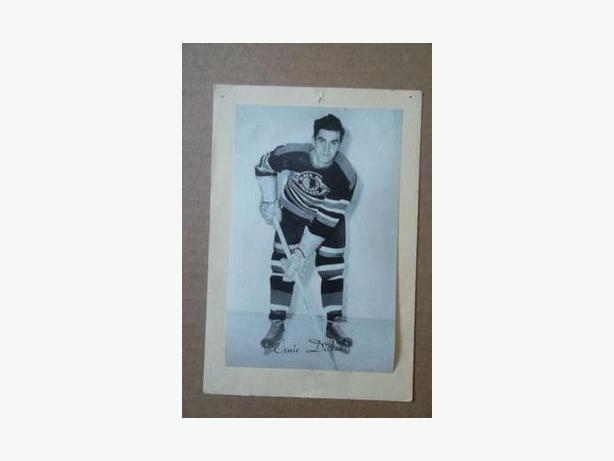 1940's Bee Hive hockey photo - Ernie Dickens