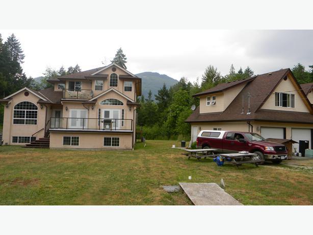 29 Acres With A 5 Bedroom Custom Built House Chemainus