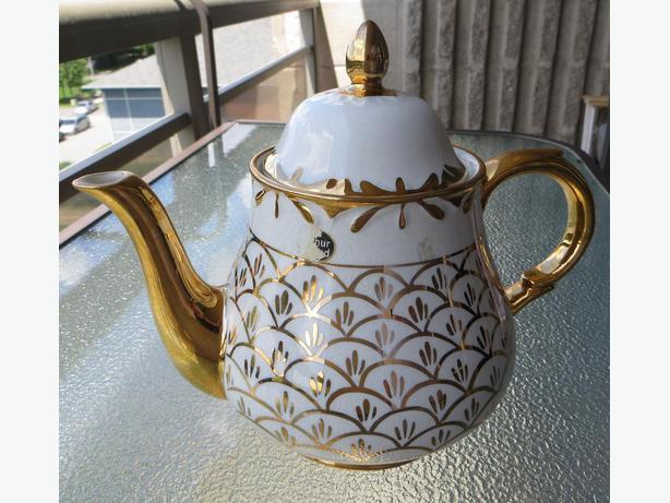 ANTIQUE Tea POT by ARTHUR WOOD - LOOK!!