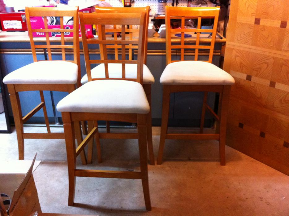pub style dining room table with 4 chairs 300 obo west shore