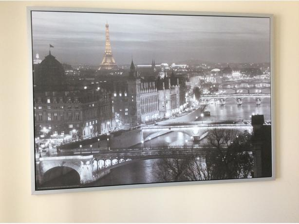 Ikea vilshult paris large picture in silver frame for Ikea parati