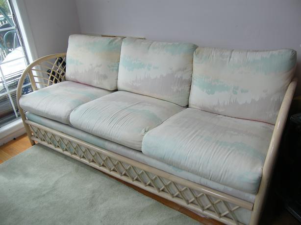 rattan sofa with hide a bed victoria city victoria. Black Bedroom Furniture Sets. Home Design Ideas