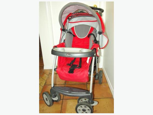 free red chicco stroller with manual victoria city victoria. Black Bedroom Furniture Sets. Home Design Ideas