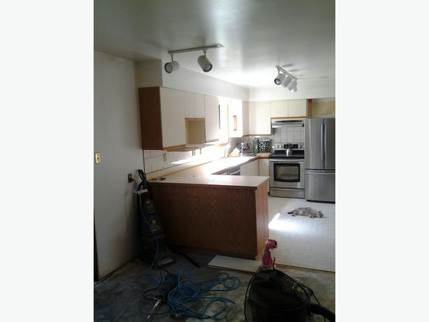 13 X 8 Ft Kitchen For Sale Saanich Victoria