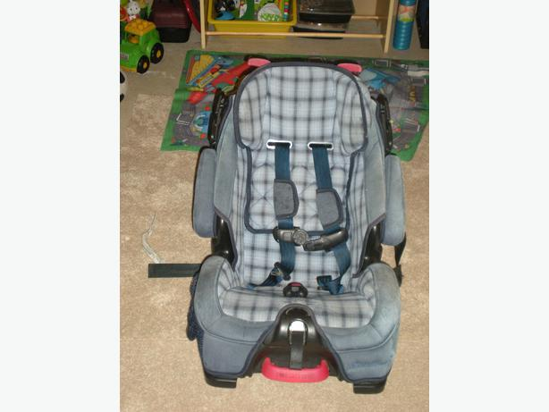 eddie bauer car seat north west calgary. Black Bedroom Furniture Sets. Home Design Ideas
