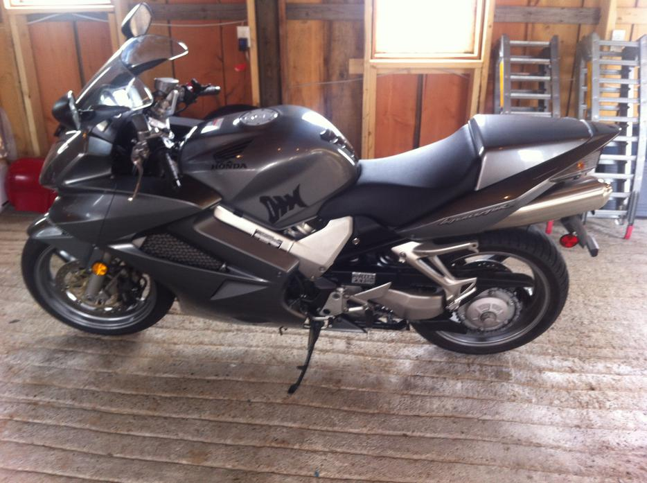 2008 honda vfr interceptor central saanich victoria   mobile