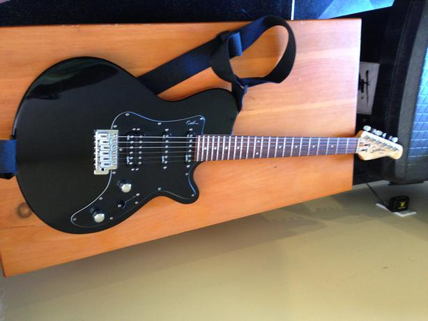 Godin SD guitar - black with 2 single pickups and one humbucker ...