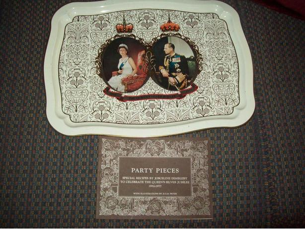 QUEEN SILVER JUBILEE TRAY AND PARTY RECIPES BOOK