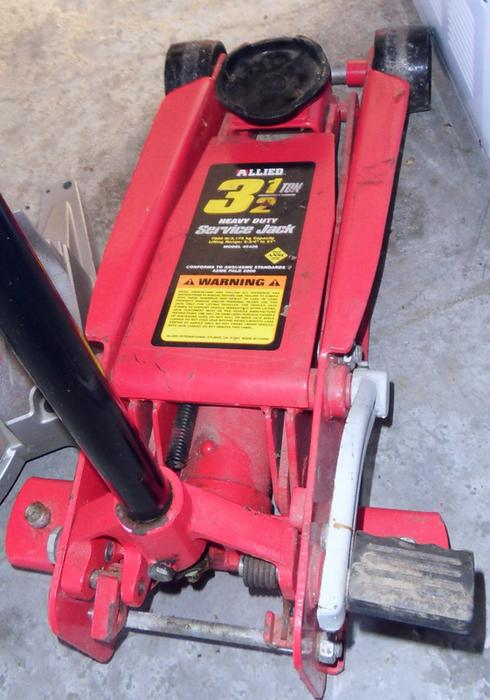 Allied 3 1 2 Ton Floor Jack Outside Victoria Victoria