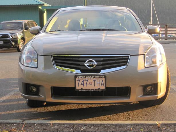 2007 nissan maxima 3 5 se outside comox valley courtenay comox mobile. Black Bedroom Furniture Sets. Home Design Ideas
